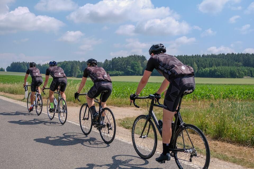 8 tips die jou helpen met wielrennen in de hitte